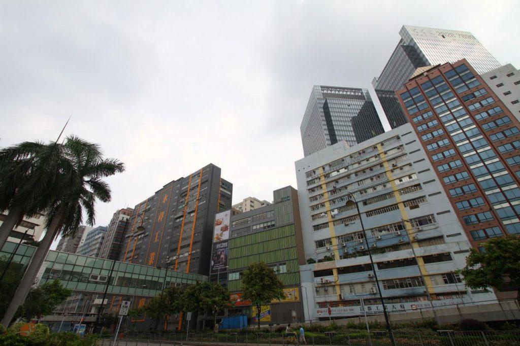 政府將重啟活化工廈,特別重建工廈可獲放寬地積比率,吸引長線投資者注視。